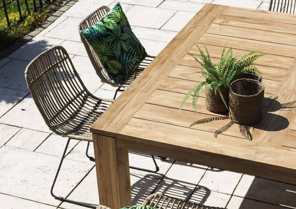 Ratanový terasový nábytok - prírodné riešenie pre vašu záhradu