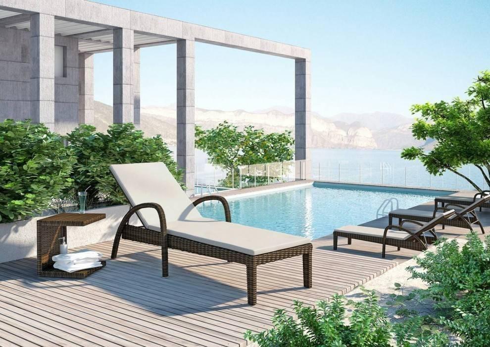 Bazénový nábytok - aké budú trendy v nasledujúcej sezóne v roku 2021?