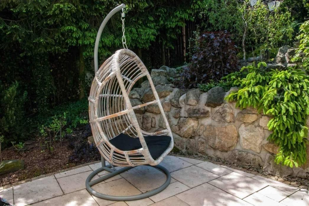 zavesne kreslo moderne vybavenie zahrady NICE sivé